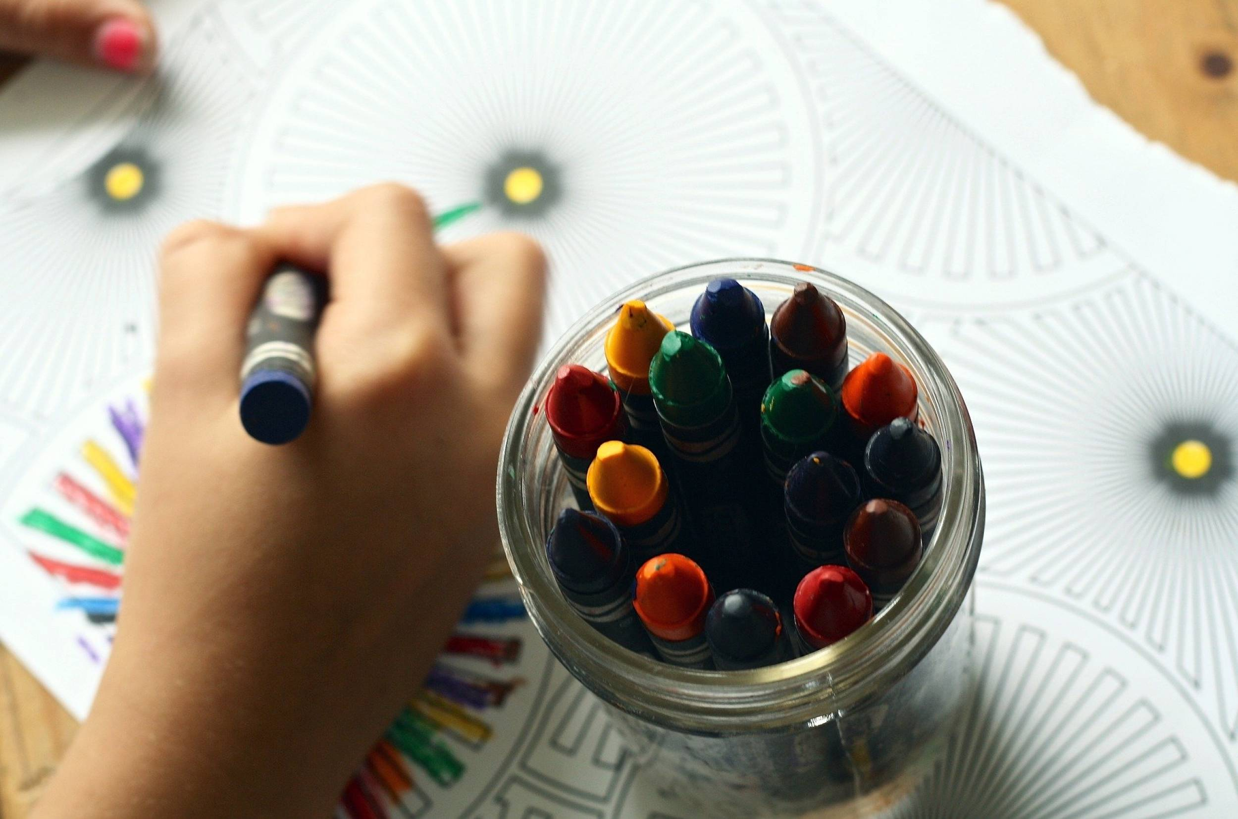 PFS - crayons-1445053_1920 alice ponce